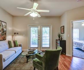 Living Room, Retreat at North Bluff