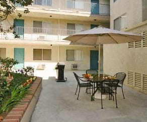 Courtyard, Parkview Apartments