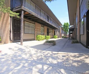 Courtyard, Sunwood Apartments