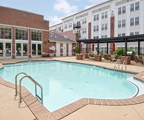 Pool, 100 Park at Wyomissing Square