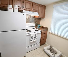 Kitchen, The Abby at 2700