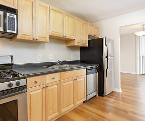 Kitchen, Westchester Tower Apartment Homes