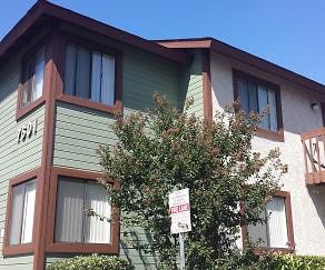 Building, Aspen Pines Apartments