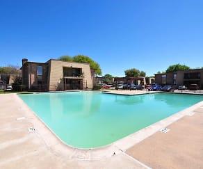 Pool, Arlington Place
