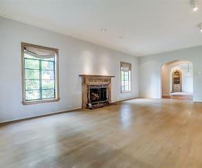 Living Room, 6834 Lakeshore Dr