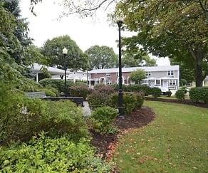 Courtyard, Georgetowne Homes