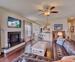 Living Room, 2000 Blythe Drive
