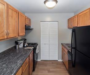 Kitchen, The Summit at Ridgewood