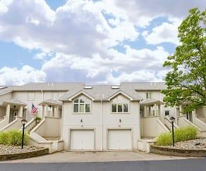 Building, Pineloch Estates Apartments