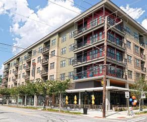 Building, 675 N Highland
