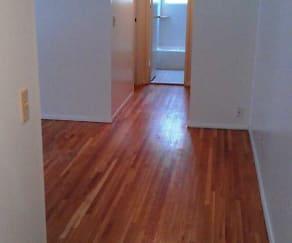 952-970 Schopmann Drive Apartments