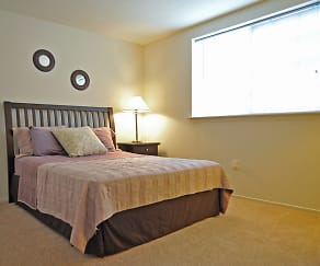 Bedroom, LakePointe Apartments