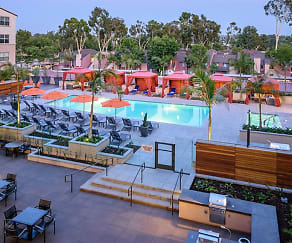 Resort-style pool and spa with entertainment areas, Reata Oakbrook Village