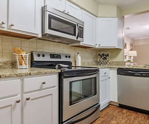 Kitchen, Uptown Gardens Apartments
