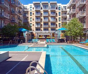 Pool, Flux Apartments