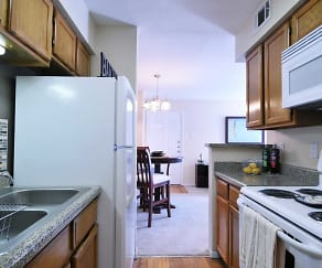 Kitchen, Lincoln Crossing Apartments