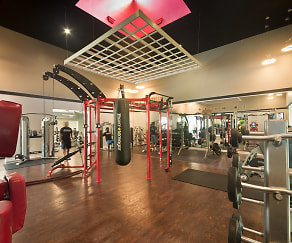 Fitness Weight Room, Gainesville Place - Per Bed Lease