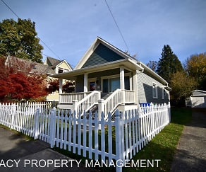 4524 NE 6th Ave, King, Portland, OR