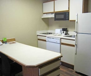 Kitchen, Furnished Studio - Orlando - Lake Mary - 1040 Greenwood Blvd