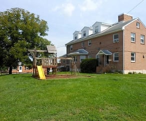 Building, Birchwood Apartments