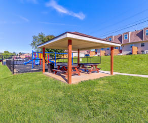 Recreation Area, Aspen Meadow Apartments