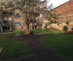 Courtyard, Tombigbee Court