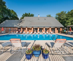 Pool, Hawthorne at the Ridge