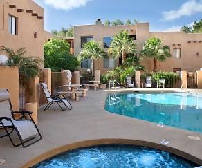 Pool, Adobe Highlands