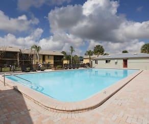 Pool, The Lodge at Woodlake