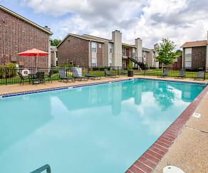 Pool, Oakbrook Apartments
