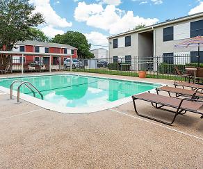 Pool, The Landmark on Longmire