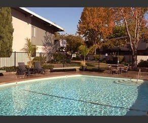 Pool, Jackson Flats