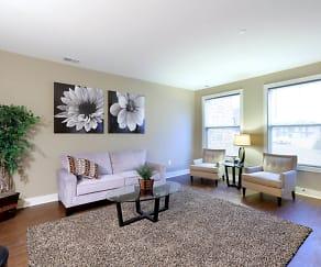 Living Room, Ridges Of Cascade