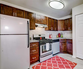 Kitchen, Peninsula Grove Apartments
