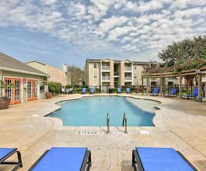 Pool, Christiwood