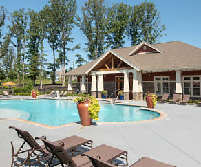 Pool, Retreat at West Creek