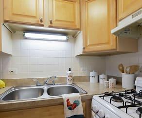Kitchen, Madison West Apartments