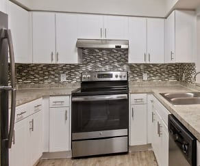 Kitchen, Advenir at Gateway Lakes