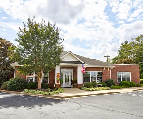 Leasing Office, College Pointe