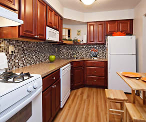 Kitchen, Lindenwood Apartments