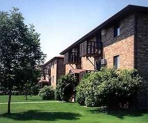 Building, Cedar Creek Apartments