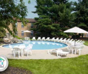 Pool, Korman Residential At Willow Shore