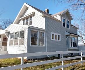 Building, 423 Litchfield Avenue SE  (Upper)