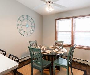 Dining Room, Creekstone Falls