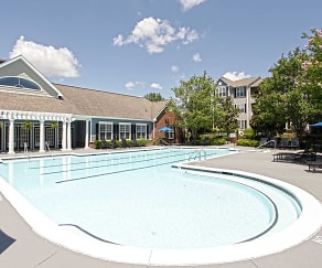 Pool, The Berkeley at Southpoint