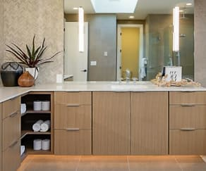 Bathroom, Park Central Townhomes