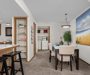 Open Dining Room, Kitchen and Breakfast Bar - Heritage Park Apartments, Heritage Park At Pennsylvania