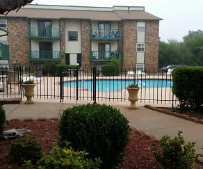 Pool, Indian Oaks Apartments