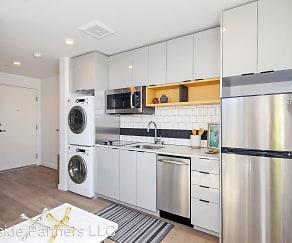 Kitchen, Luna