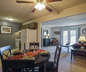Dining Room, Maple Ridge Apartments